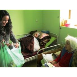 Отново с радост и подаръци при бабите и дядовците в с. Фатово