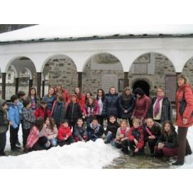 Смолянски деца гостуваха в Широка лъка на Благовещение